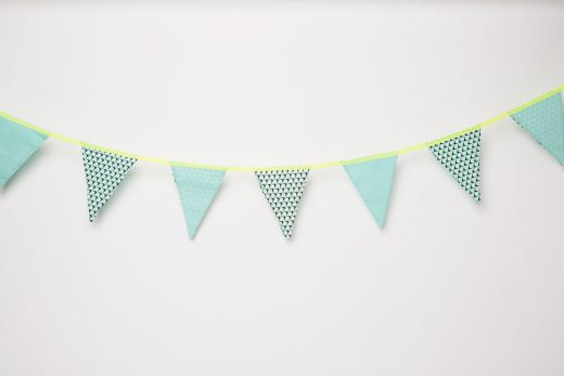 Blanc-Fluo-Guirlande-Pineapple